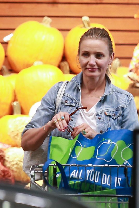 Cameron Diaz Shopping at Whole Foods in Beverly Hills