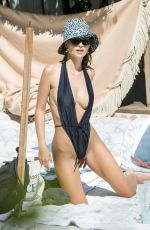 Emily Ratajkowski In black On the beach in Miami