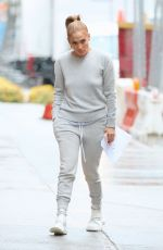 Jennifer Lopez On the set of