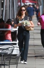 Jessica Alba Picking up drinks in Beverly Hills