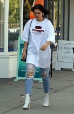 Jessie J Out with a friend in Los Angeles