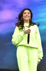 Madison Beer Performs at Austin City Limits Music Festival, Weekend 2, Day 1, Texas