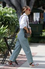 Natalie Portman Out running errands in Los Angeles