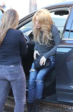 Shakira Arrives at her house in Barcelona