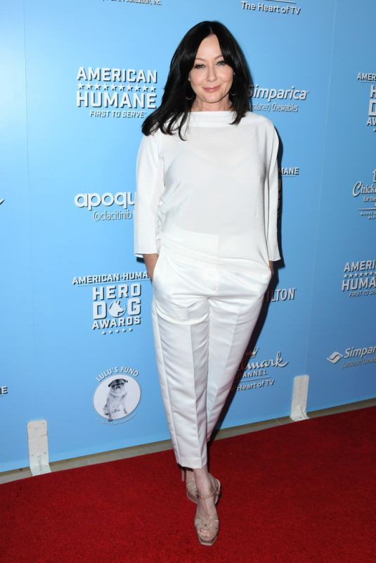Shannen Doherty At 2019 American Humane Hero Dog Awards in Los Angeles