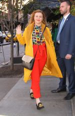 Amber Tamblyn Looks stylish in a colorful outfit