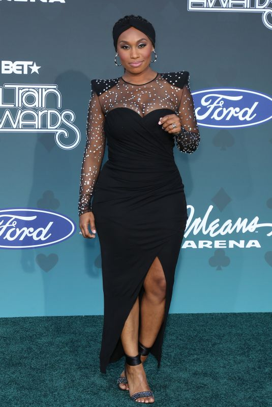 Angell Conwell At 2019 Soul Train Awards at Orleans Arena in Las Vegas
