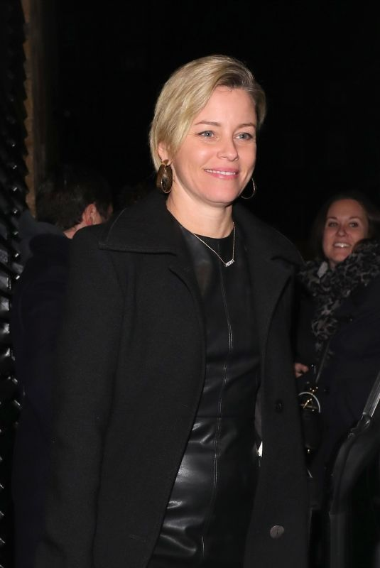 Elizabeth Banks Smiles for the cameras as she leaves the Chiltern Firehouse in London