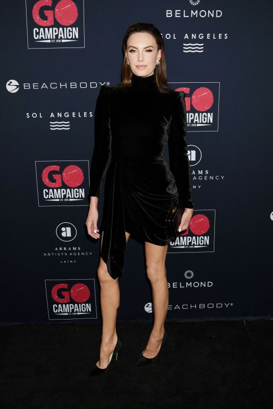 Elizabeth Chambers At 13th Annual Go Gala, Arrivals, NeueHouse, Los Angeles