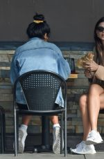 Emily Ratajkowski Out for lunch in LA