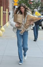 Gisele Bundchen With flowers steps out in New York