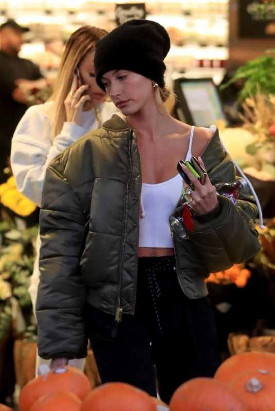 Hailey Bieber Makes a pit stop at Erewhon market in Los Angeles