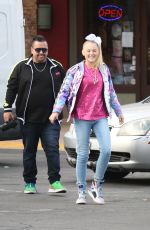 JoJo Siwa On her way to lunch at Marie Callender in Sherman Oaks