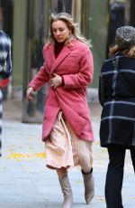Kaley Cuoco On the set of