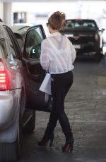 Kate Beckinsale Leaving a doctor