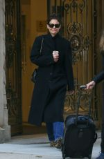 Katie Holmes Exiting her apartment in New York