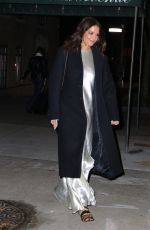 Katie Holmes Leaves her apartment building in NYC