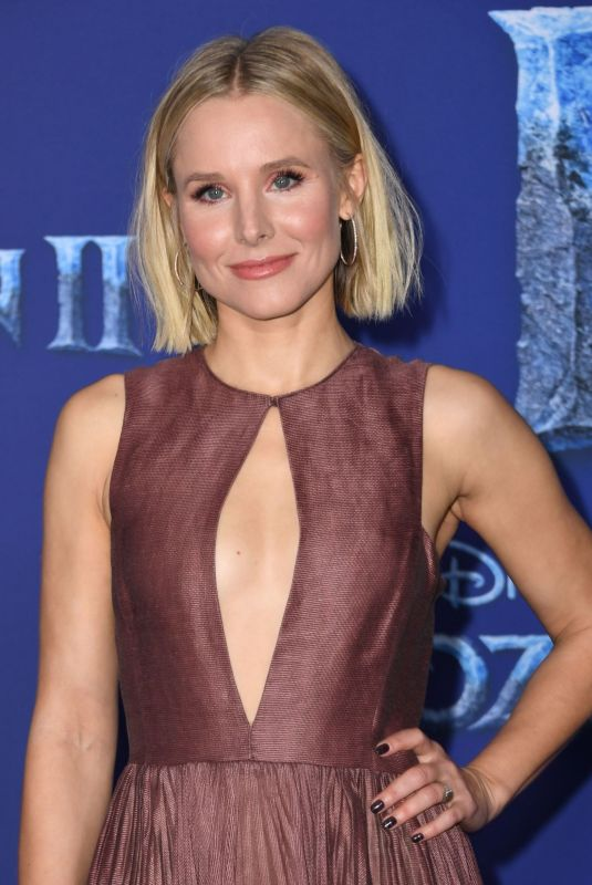 Kristen Bell At Premiere of Frozen 2 in Hollywood