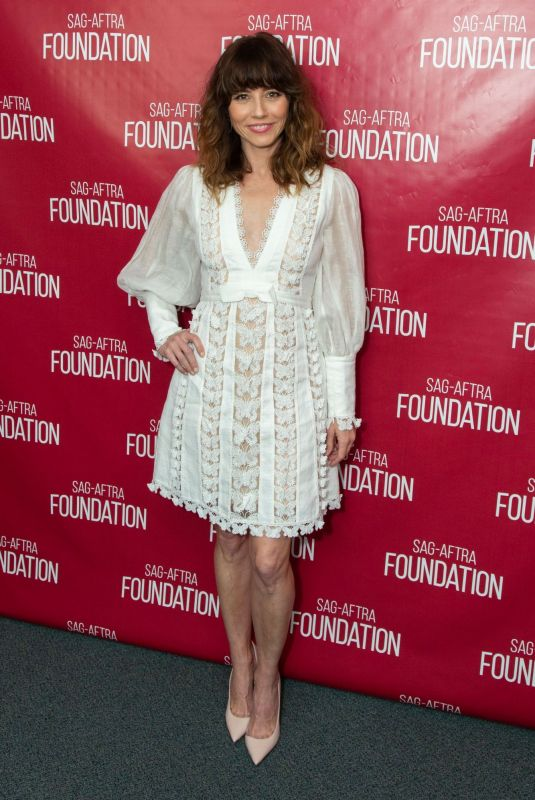 """Linda Cardellini At SAG-AFTRA Foundation Conversations with """"Dead To Me"""" in LA"""