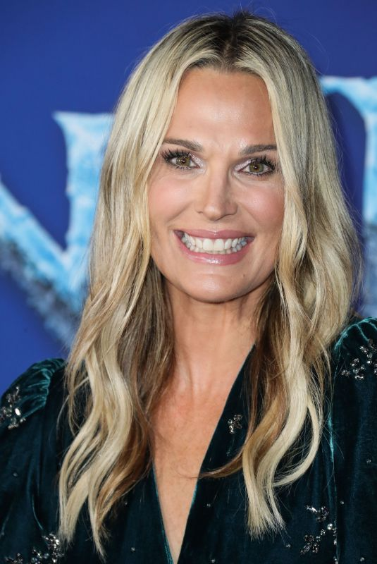 Molly Sims At World Premiere of