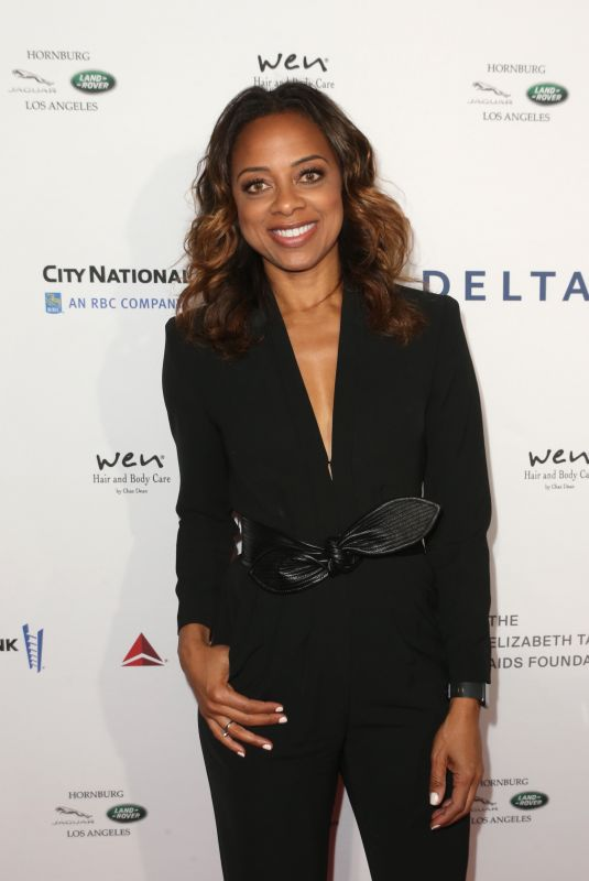 Nischelle Turner At Mark Zunino Atelier Fashion and Cocktail Reception to Benefit The Elizabeth Taylor AIDS Foundation
