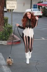 Phoebe Price Has her hands full after shopping at Ralphs in Los Angeles