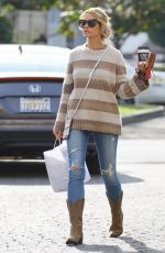 Rebecca Gayheart Grabs food-to-go at Joan