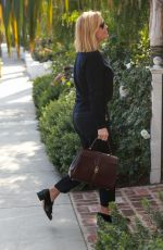 Reese Whiterspoon Arrives in a limo for lunch meeting at San Vicente Bungalows in West Hollywood