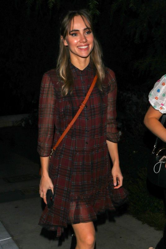 Suki Waterhouse Out for dinner at San Vicente Bungalows in West Hollywood