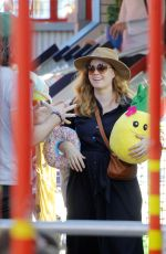 Amy Adams Does some shopping after a brief stroll in Sant Monica