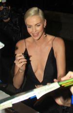 Charlize Theron Greets fans at the