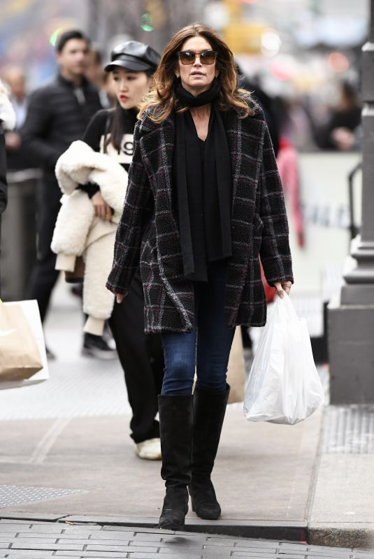 Cindy Crawford Out in Soho, New York City
