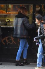 Cindy Crawford Waits in line for food in New York City