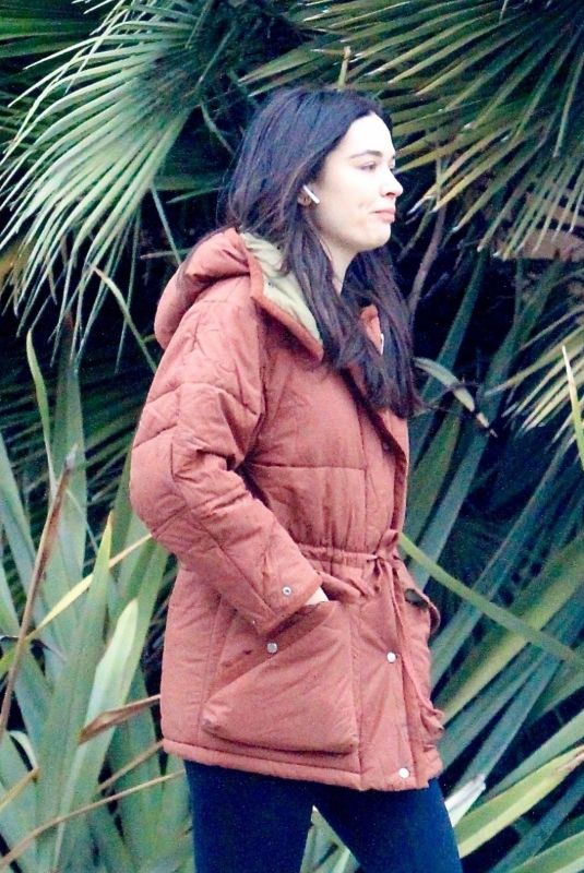 Crystal Reed Running errands in Hollywood
