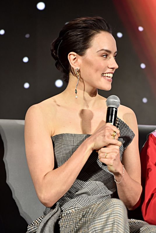 Daisy Ridley At Star Wars: The Rise of Skywalker Press Conference in Pasadena