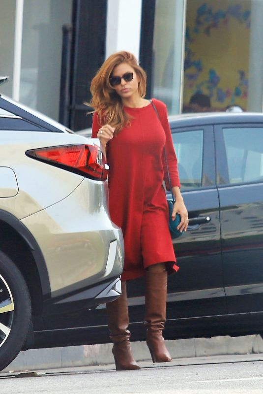 Eva Mendes Steps out to do some shopping in LA