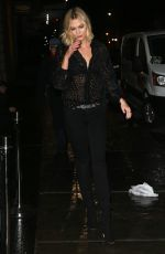 Karlie Kloss Steps out in head-to-toe black in New York City