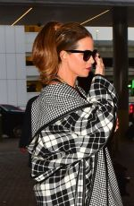 Kate Beckinsale Arrives for a flight to London at LAX airport in Los Angeles
