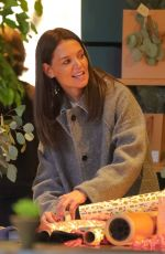 Katie Holmes Seen wrapping Christmas gifts in New York