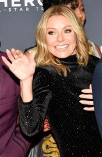 Kelly Ripa At 13th Annual CNN Heroes: An All-Star Tribute, Arrivals, American Museum of Natural History, New York