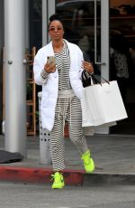 Kelly Rowland Shops till she drops in Beverly Hills