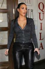 Kim Kardashian Out for lunch at La Plata in Agoura Hills