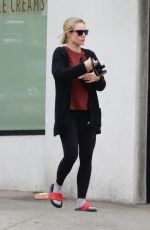 Kristen Bell As she arrives to a private gym class in Los Feliz