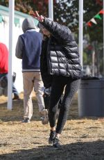 Lisa Rinna Shares the peace while going Christmas tree shopping in L.A.