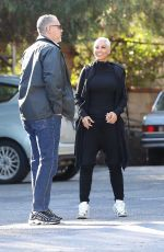 Nicole Murphy Shows off her new hair cut and color while out with relatives for lunch at Lucy