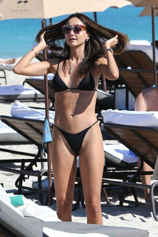 Patricia Contreras At the beach with James Goldstein for some fun in the sun