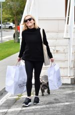 Reese Witherspoon Takes her dog Pepper shopping in Brentwood
