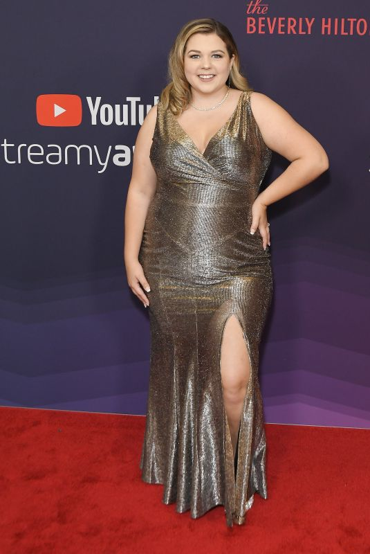 Sierra Schultz At 2019 Streamy Awards - Los Angeles