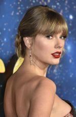 Taylor Swift At Cats Premiere in NY
