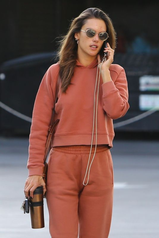Alessandra Ambrosio Out running errands in Brentwood